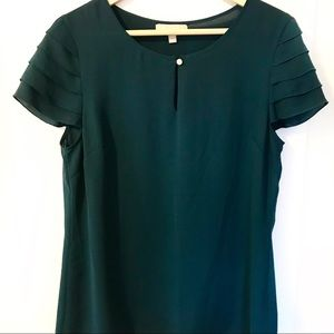 Banana Republic blouse with pleated sleeves 10